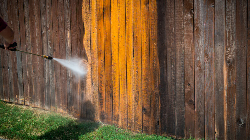 power washing fence cleaning